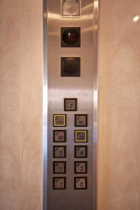 2 - Pulsantiera per cabina ascensore
