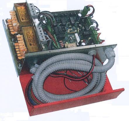 Dispositivo di ritorno al piano e apertura porte per impianti idraulici