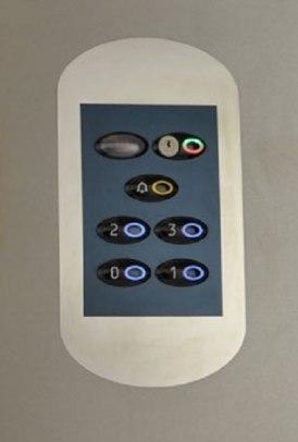 18 - Pulsantiera per cabina ascensore con chiave d'interdizione chiamate